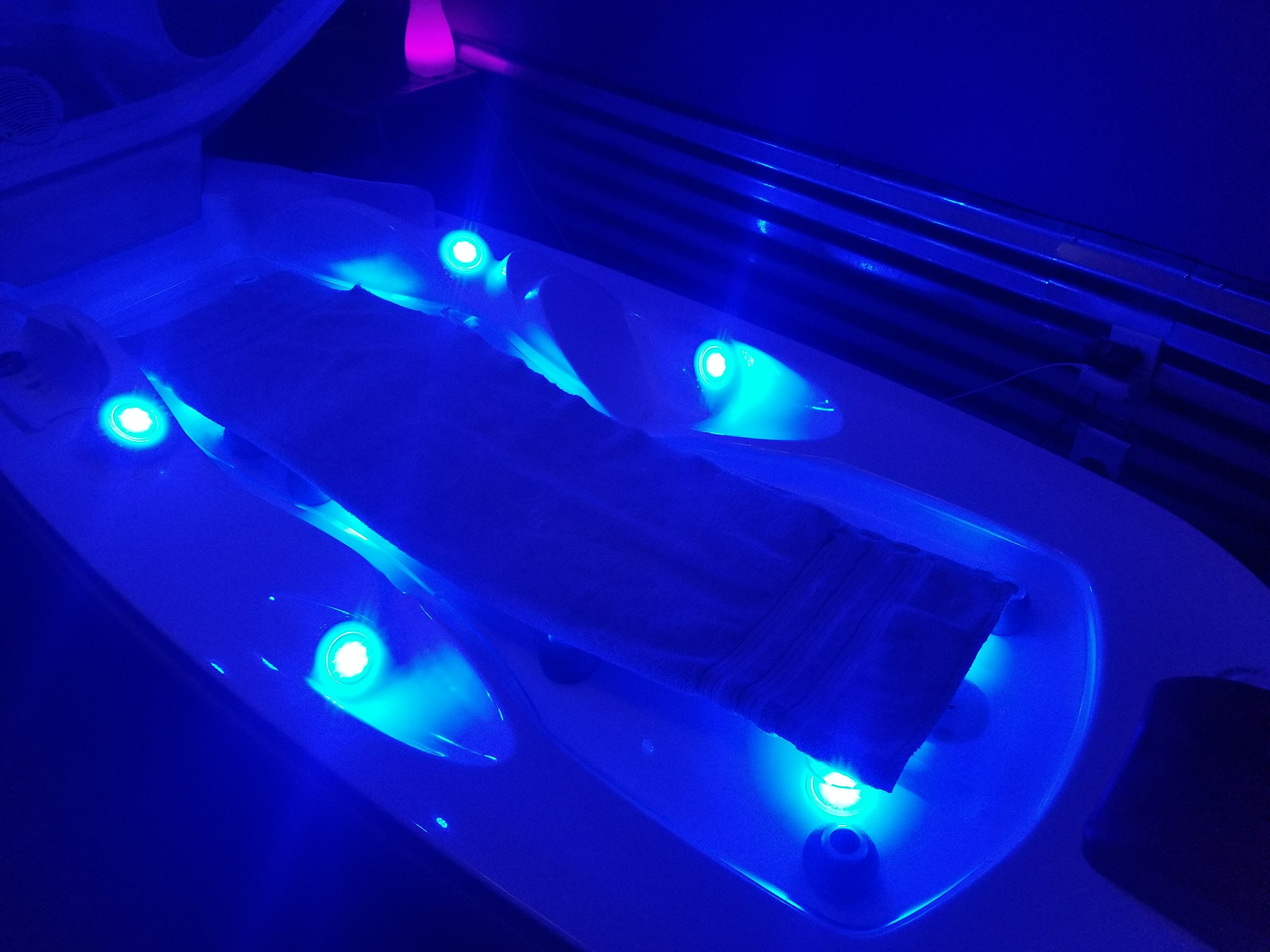 Hydro-Derma Fusion is a revolutionary system that provides a mix of innovative features to prolong service results and rejuvenate skin. It is a harmonization of radiant heat and steam with six LED light stations that enhance sessions with a rainbow of exciting color changes. The bed offers a soothing vibration massage while the cool facial air keeps you comfortable throughout your session. Add the aromatic scent of one of our oxygen concentrates, which are all specific blends of natural ingredients that delivers vitamins to to relax the mind and rejuvenate skin!