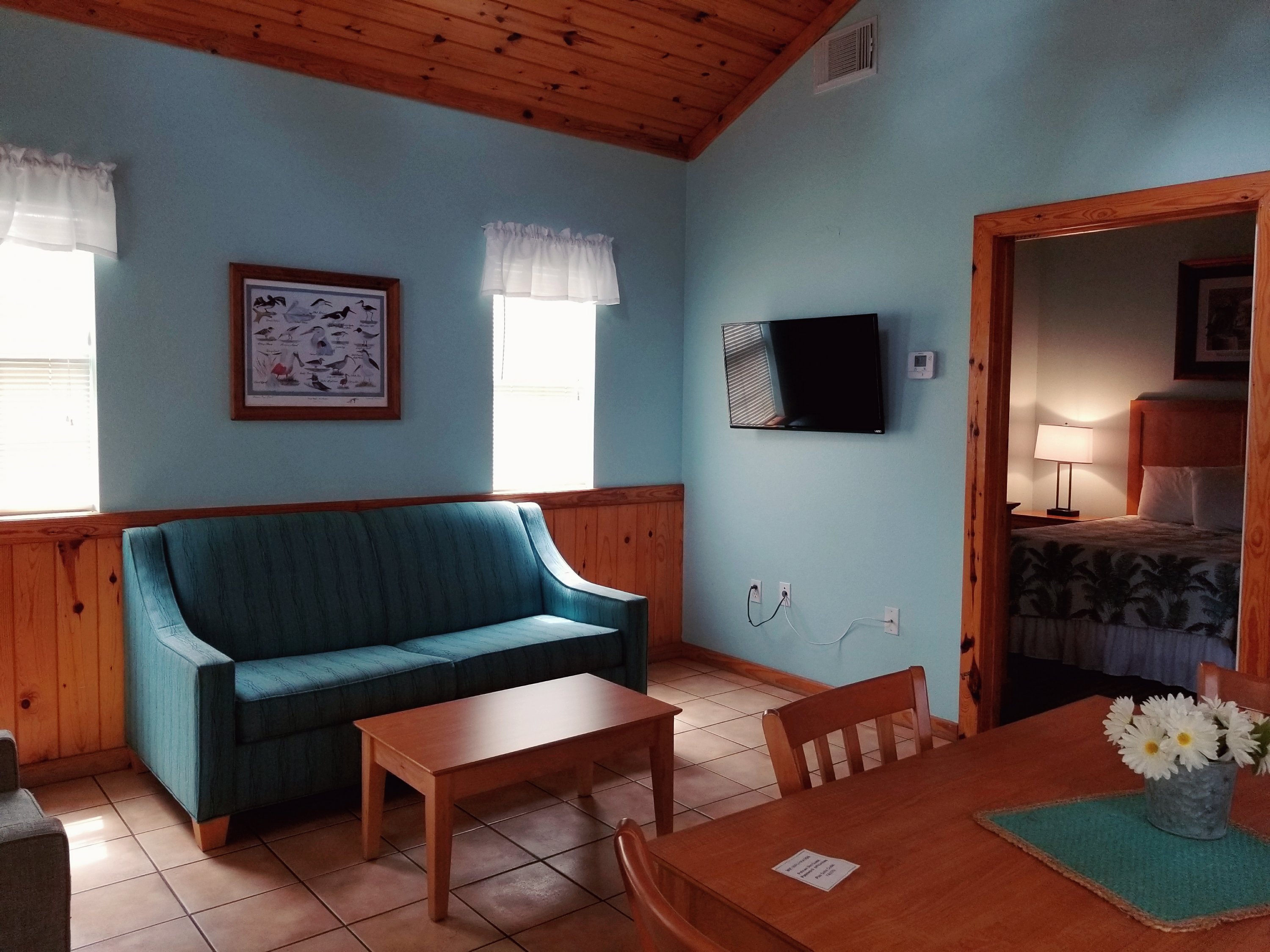 The Pelican Bay Resort in Rockport Texas: Mini Suites, Lodge, Cabins near the beach. Take a look inside the cottage.