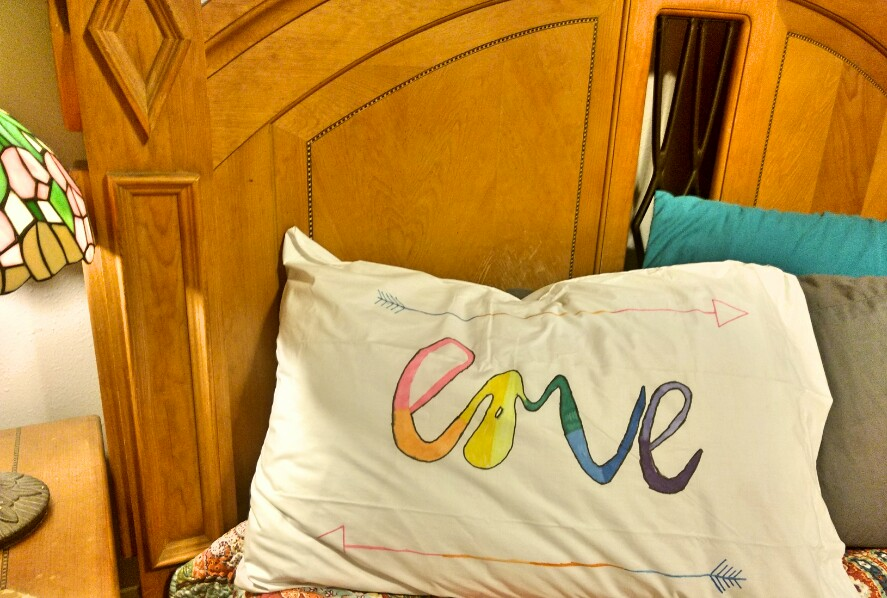 This DIY Ombre Pillow case is a great craft for tweens.